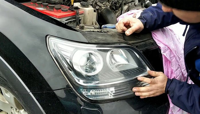 Is the use of xenon headlights dangerous