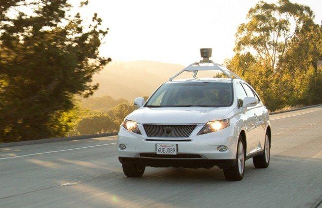 Google научил самоуправляемый автомобиль ездить по городу