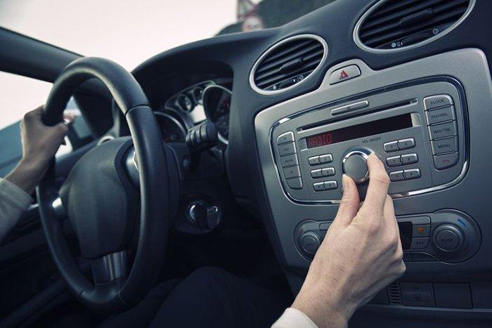 Как выбрать акустику в автомобиль?